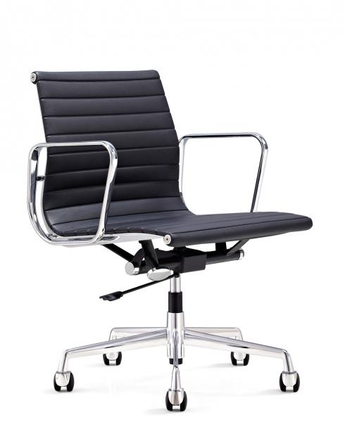 EamesClassic Aluminium Low Back Chair